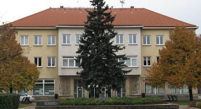 MSÚ - Mestký úrad Nové Zámky.